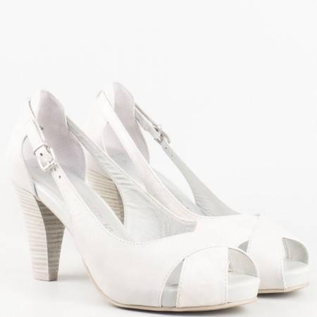 Дамски стилни сандали произведени от висококачествена естествена кожа, с кожена удобна стелка на немския производител Marco Tozzi в сив цвят 229300sv