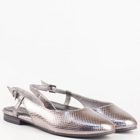 Сребърни дамски обувки на нисък ток с отворена пета и ефектен змийски принт- Marco Tozzi 229405sr