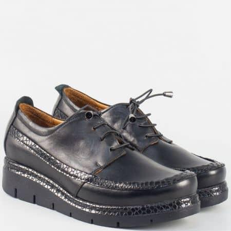 Кожени дамски обувки в черен цвят с ластични връзки 229krch