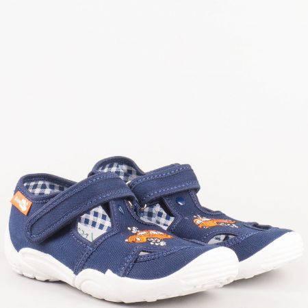 Детски спортни обувки в син цвят с лепка на български производител от антибактериални, дишащи материали и кожена мемори стелка 23375st
