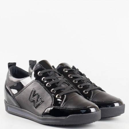 Спортни черни дамски обувки от естествена кожа в комбинация с естествен лак със скрита платформа и връзки  2354ch