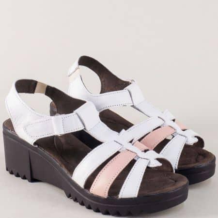 Дамски сандали с лепка в розово и бяло на платформа 2358612brz