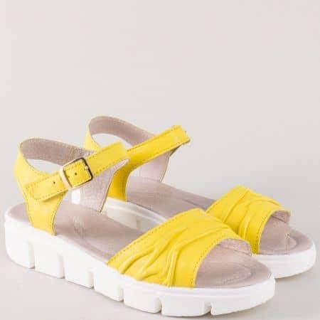 Жълти дамски сандали на платформа с кожена стелка 239382j