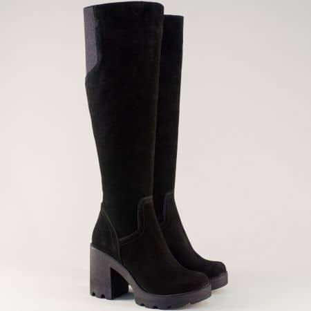 Черни дамски ботуши на стабилен ток и платформа изработени от естесвен велур 24583vch