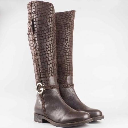 Дамски удобни ботуши в комбинация от естествена кожа и велур на известен български производител в кафяв цвят 2474kvk