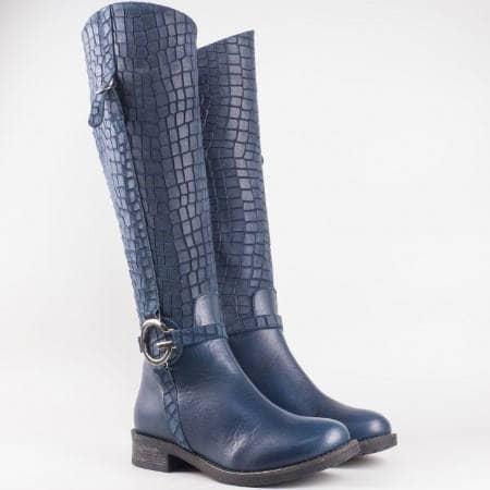 Дамски качествени ботуши изработени от висококачествена естествена кожа и велур на български производител в син цвят 2474kvs