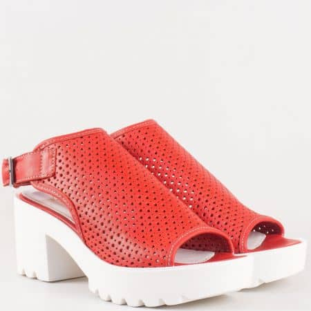 Дамски сандали за всеки ден с атрактивна визия изработени от 100% естествена кожа в червен цвят 25507chv