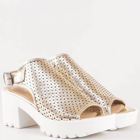 Дамски атрактивни сандали произведени изцяло от висококачествена естествена кожа с перфорация в златисто  25507zl