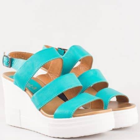 Тюркоазено-зелени  дамски сандали на комфортно клин ходило произведени от 100% естествена кожа 25550s