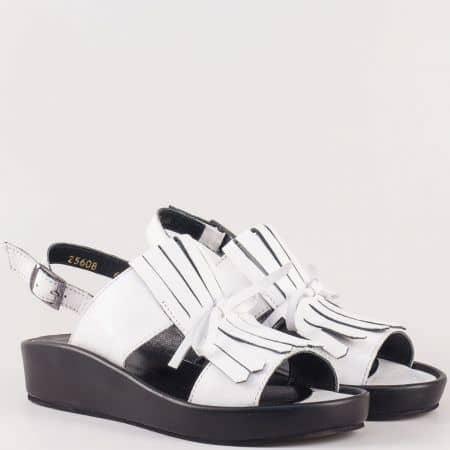 Дамски ежедневни сандали произведени от изцяло естествени материали - велур и кожа в бяло  25608b