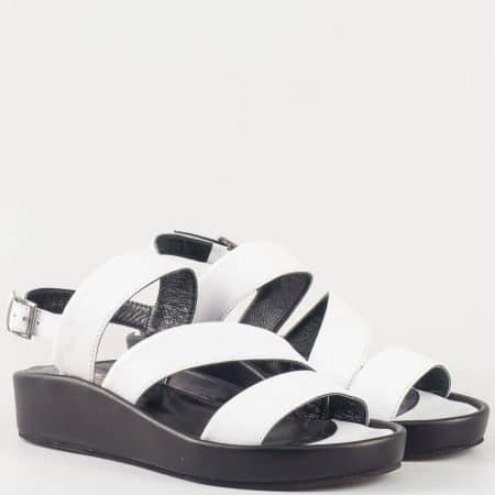 Практични дамски сандали на платформа от естествена кожа в бяло 25614b