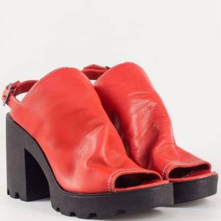 Дамски екстравагантни сандали на висок стабилен ток от висококачествена естествена кожа в червено 25667chv