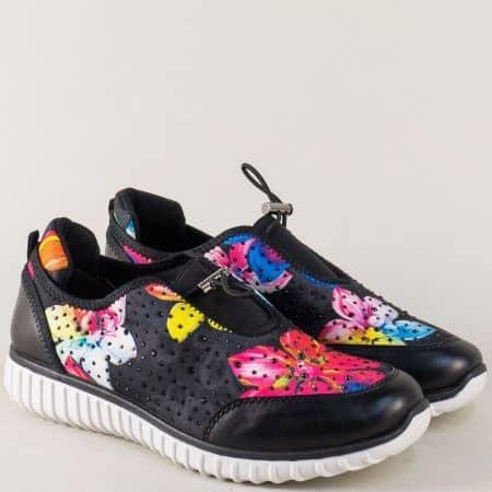 Спортни дамски обувки в черен цвят с цветен принт 259ch