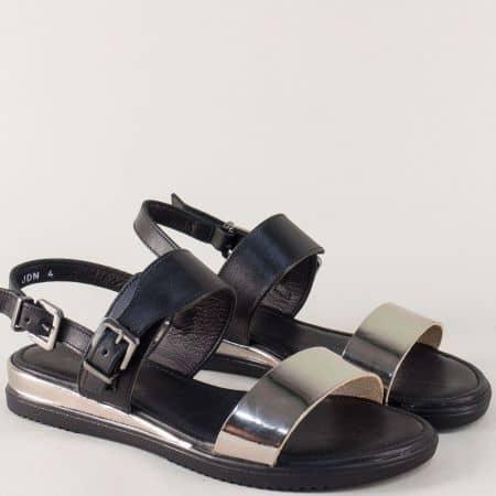 Кожени дамски сандали в сребро и черно с две катарами 260417ch