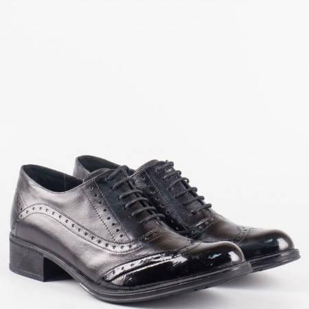 Дамски обувки за всеки ден в комбинация от естествена кожа и лак на български производител 26102chlch