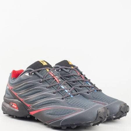 Мъжки спортни маратонки с връзки на ходило с грайфер в черен цвят 263912-45ch
