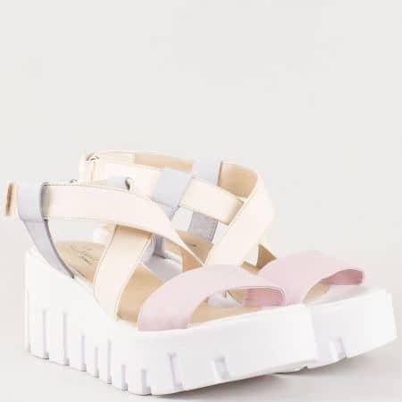 Дамски атрактивни сандали на удобно ходило изработени от изцяло естествена кожа, включително и стелката на български производител в жълто,синьо и розово 300516ps