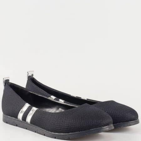 Черни дамски обувки от текстил на ниска платформа 30144-40ch