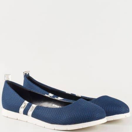 Модерни дамски спортни обувки на равно бяло ходило- GRAND ATTACK в тъмно син цвят  30144-40s
