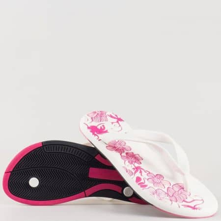 Дамски атрактивни джапанки с флорални мотиви и лента между пръстите в розово и бяло 30132b