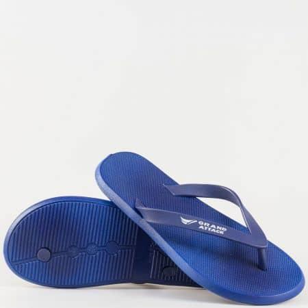 Мъжки удобни джапанки изработени от висококачествен гумен материал на Grand Attack в син цвят 30126-45s