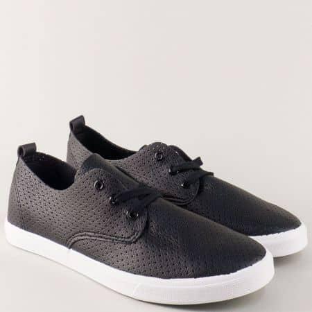 Мъжки спортни обувки в черно на равно ходило 30210-45ch