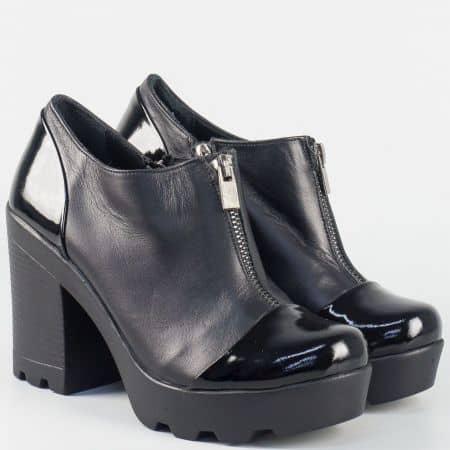 Дамси обувки на висок ток в черно от естествена кожа и лак  3052lch