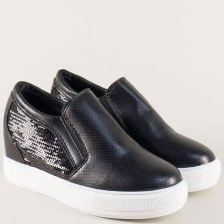 Дамски спортни обувки на комфортна платформа в черно 314001ch