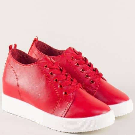 Дамски спортни обувки в червен цвят на платформа 315001chv