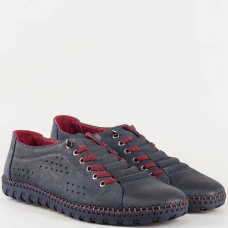 Мъжки обувки за всеки ден със спортно-елегантна визия произведени от изцяло естествени материали - набук и кожа в син цвят 31503s