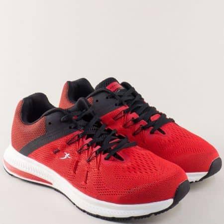 Мъжки маратонки в червено и черно на равно ходило 32485-45chv