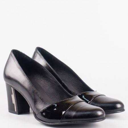 Дамски стилни обувки на висок ток от естествен лак и естествена кожа на български производител в черен цвят 33307chlch