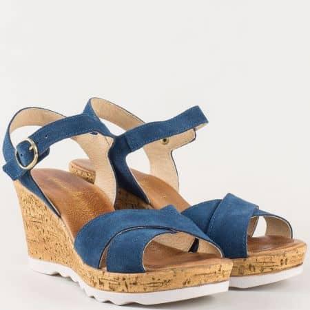 Дамски сандали изработени от 100% естествени материали - набук и кожа на известен български производител в син цвят 341952vs