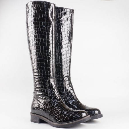 Дамски комфортни ботуши произведени от висококачествен естествен лак на български производител в черен цвят 3477klch