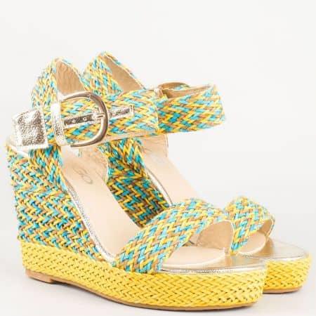 Пъстри дамски сандали на клин ходило в жълто, синьо, кафяво и златисти орнаменти 353ps