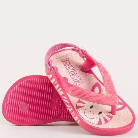 Детски комфортни сандали на гъвкаво ходило изработени от висококачествен силикон на бразилската марка Ipanema в розовцвят 3712020791