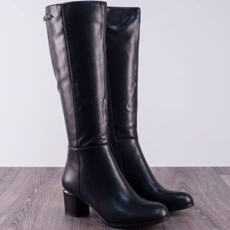 Черни дамски ботуши на среден ток в черен цвят 37172ch