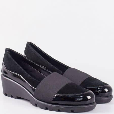Лачени дамски обувки с ластик и платформа- The FLEXX в черен цвят 41308ch