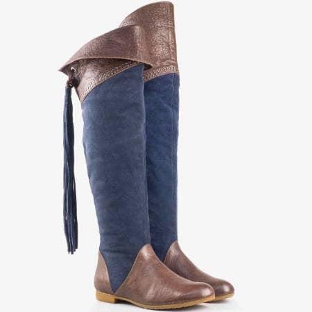 Дамски стилни ботуши изработени от висококачествен велур и кожа на български производител в цветова комбинация от синьо и тъмно кафяво 5004vs