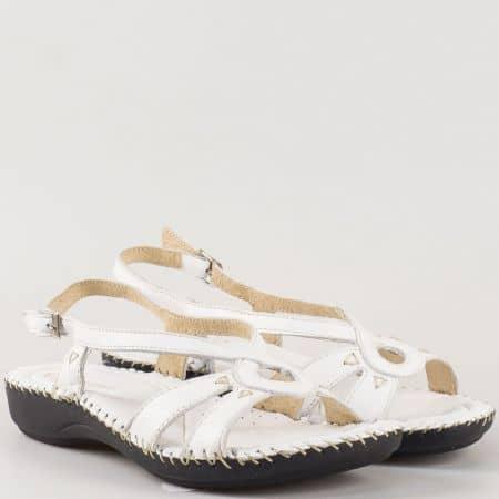 Дамски сандали произведени от 100% естествена кожа на български производител с мека кожена стелка в бяло 5005b