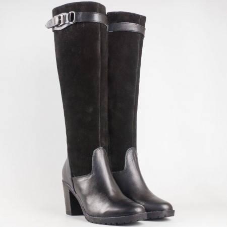 Дамски елегантни ботуши изработени от качествен естествен велур и кожа на български производител в черен цвят 50543vch