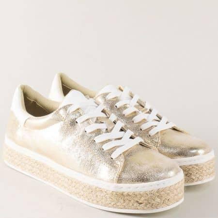 Златисти дамски обувки S. Oliver на платформа 523626zl