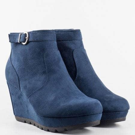 Дамски боти от естествен велур на известната немска марка S.Oliver с вградена Memory пяна в син цвят 525385ns