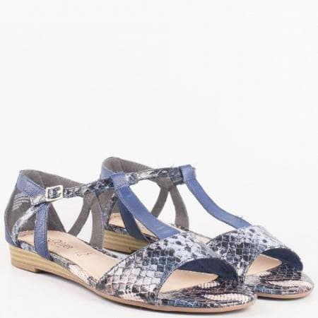 Екстравагантни дамски сандали - S. Oliver на нисък ток в син цвят от естествена кожа със змийски принт 528110s