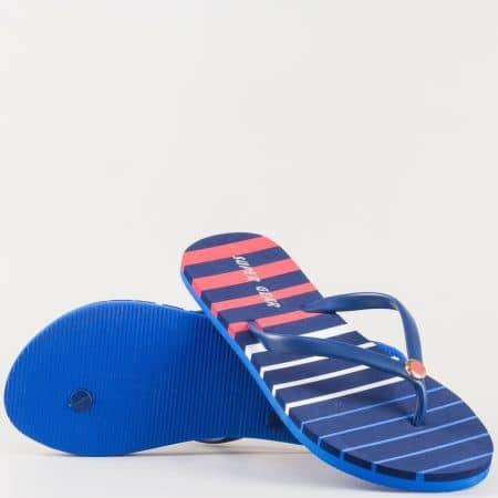 Удобни и леки дамски джапанки на цветно райе с лента между пръстите и малък декоративен елемент- Athletic в синьо, бяло и червено  536s
