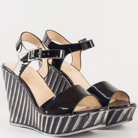 Дамски стилни сандали на ефектна платформа в черен цвят- Eliza 53823lch
