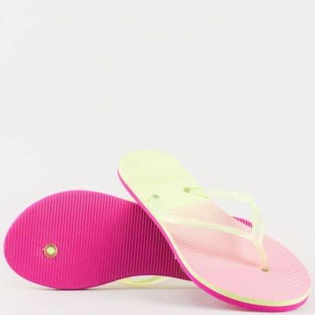 Модерни дамски джапанки  с лента между пръстите на олекотено, равно ходило- Athletic в жълто и розово 541ck