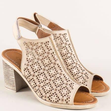 Кожени дамски сандали в бежов цвят на висок стабилен ток 545bj