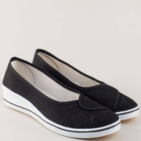 Текстилни дамски обувки в черен цвят на платформа 6001ch