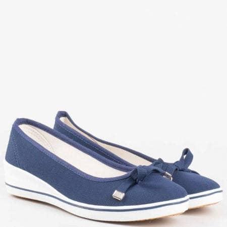 Ежедневни дамски обувки с панделка на клин ходило в син цвят 6006s